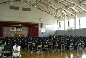 さすが中学生、整然とした素晴らしい入学式
