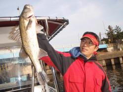コピー ~ 2012.,3,釣友Tk氏所有のボートでシーバス釣行 005