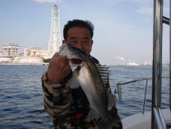 コピー ~ 2012.,3,釣友Tk氏所有のボートでシーバス釣行 003