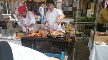 餃子祭り近くでお祭り2