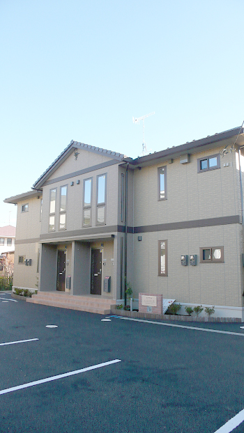 ■茅ヶ崎東海岸!1LDK+WIC!駐車場無料1台付!専用庭付!アルソック完備!