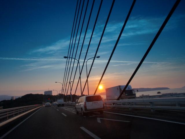 都市高速からの夕陽 004