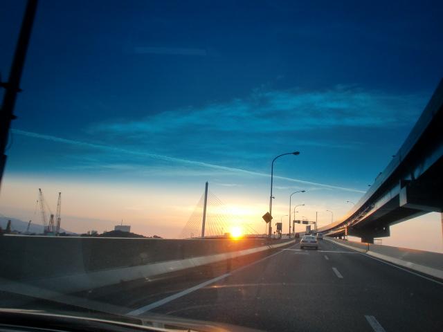 都市高速からの夕陽 003