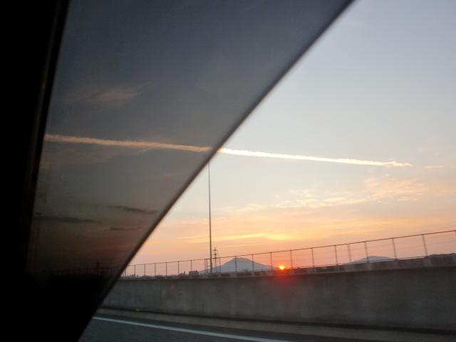 都市高速からの夕陽 009