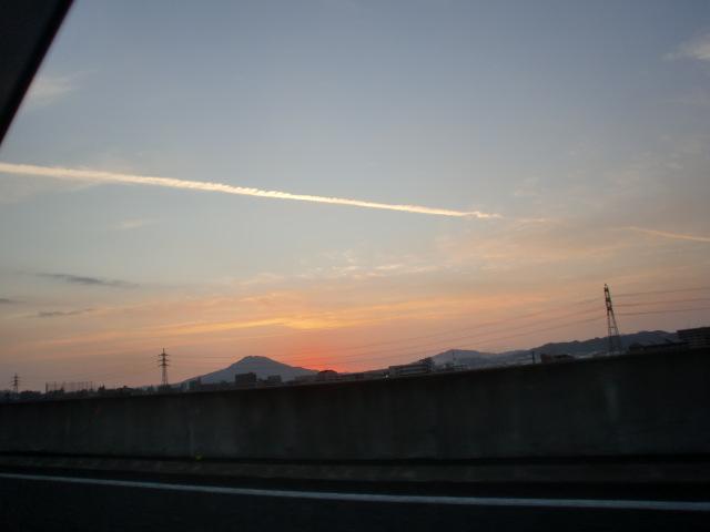 都市高速からの夕陽 010