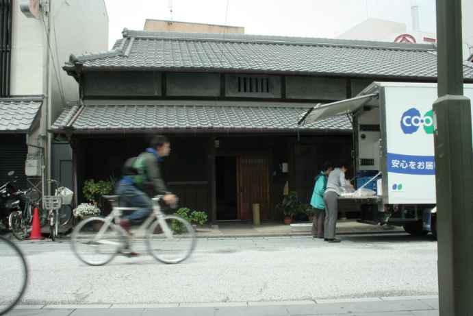 20120504町家と自転車3