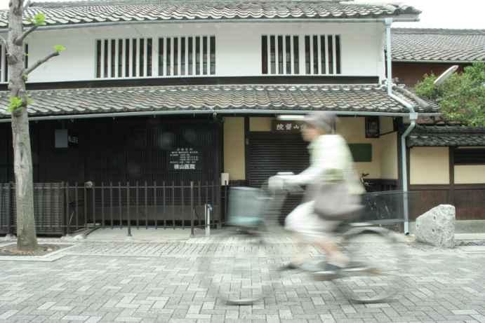 20120504町家と自転車2