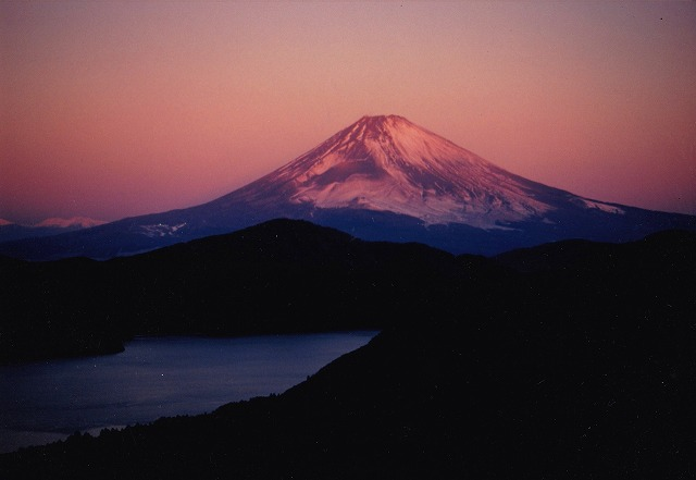 大観山夜明け直後