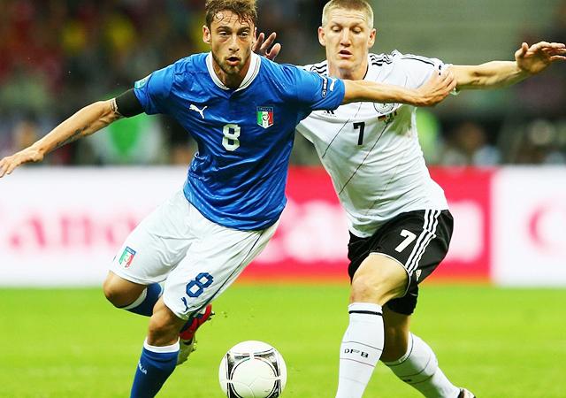 ユーロ2012 イタリア代表 バロテッリ メンバー マルキージオ