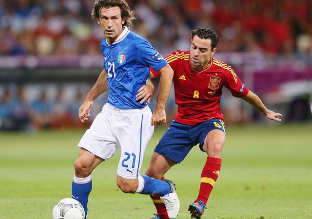 ユーロ2012 スペイン代表 サッカー イタリア代表 ピルロ シャビ 画像