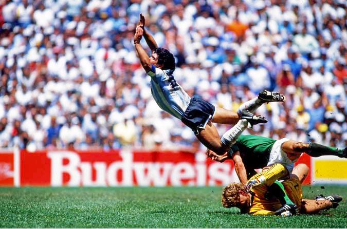 マラドーナ メキシコW杯 決勝戦 1986年6月29日 アルゼンチン vs 西ドイツ  神の手ゴール」 5人抜き 空飛ぶマラドーナ