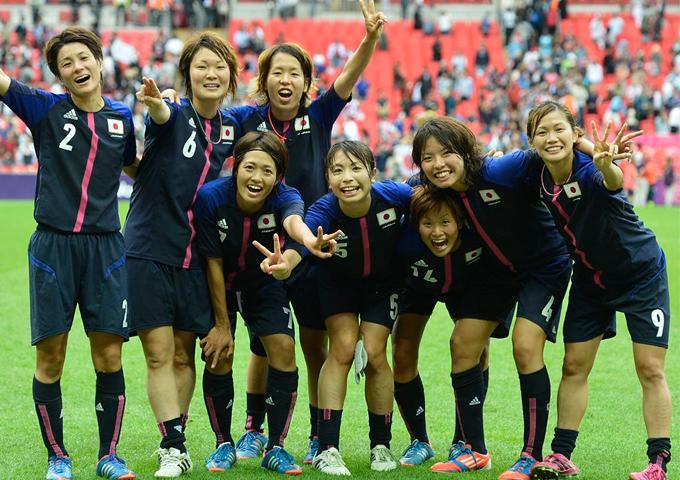 なでしこジャパン オリンピック メンバー 集合写真 川澄奈穂美 画像