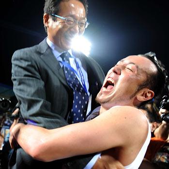 ブラジルW杯 アジア最終予選抽選会 日本代表 岡田監督 トゥーリオ