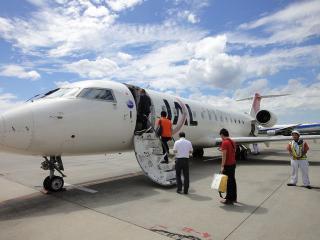CRJ-200.jpg