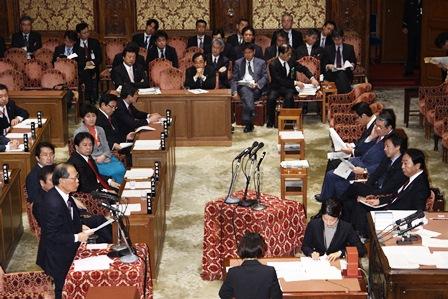120203予算委員会集中審議 IMG_4976