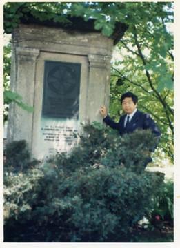 ヒルティの墓198006