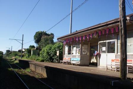 夏の海鹿島駅