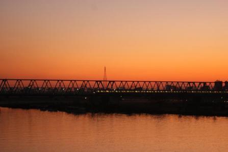 夕映えの京成鉄橋