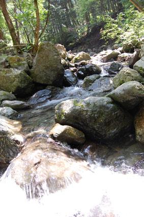 キャンプ場 川