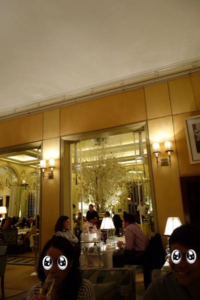 Foyer Reading Room Claridges : ロンドンお薦めアフタヌーン foyer and reading room claridge s スポンサー