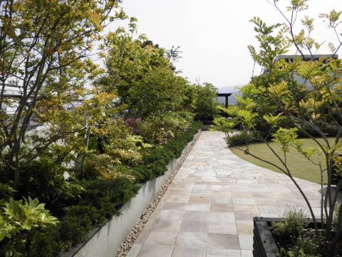 春の庭園002
