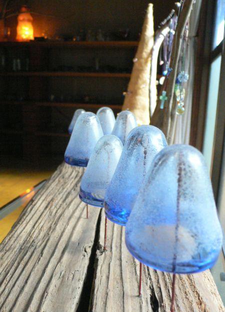 ブルーガラス