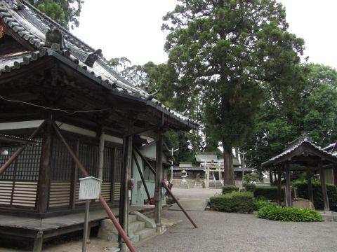 新城観音堂と八幡神社
