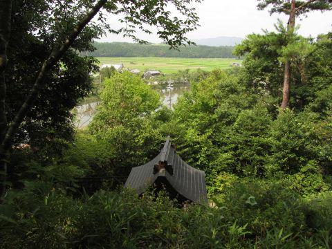 岩神社より野洲川を望む