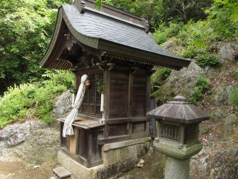 岩神社02