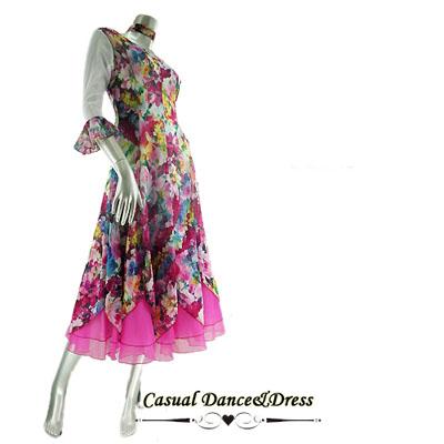 水彩風お花プリントのオーガンジー裾ダンスワンピース