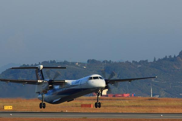 EH DHC-8-402Q JA462A RJOM 141121 01