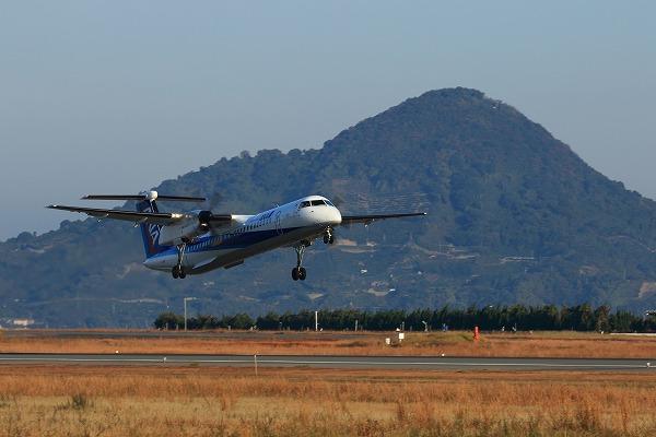EH DHC-8-402Q JA462A RJOM 141121 02