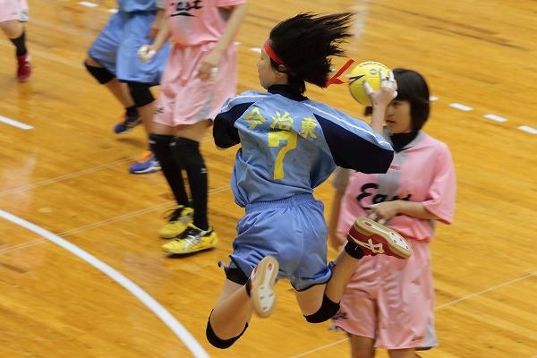 高校ハンドボール選抜大会愛媛県予選リーグ女子今東-新東141221 01