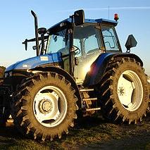 大型農耕トラクター