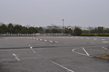 工場休止 駐車場は…