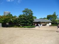 白鳥庭園入口