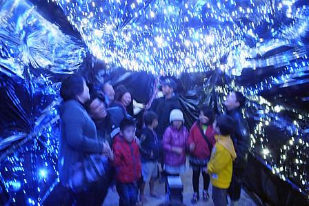 氷灯籠光トンネル