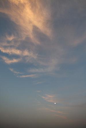 月と朝焼け6.02