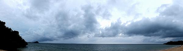 浜の梅雨空パノラマ