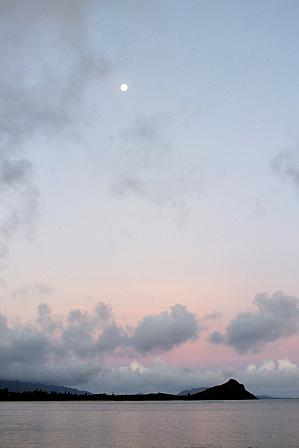 7月6日5時57分ピンクの朝焼け