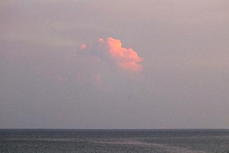 7月18日5時58分西の独立雲