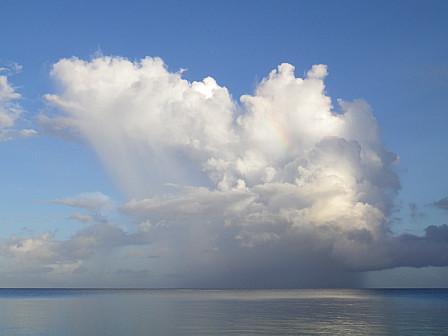 虹を含む雲全体