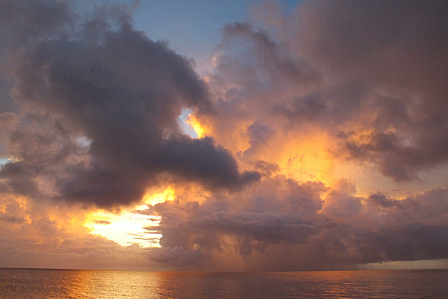 14日19時24分激焼け雲