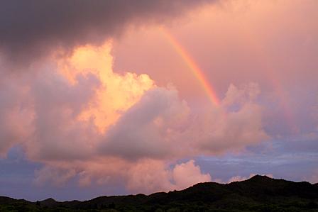 21日19時15分:夕焼けの虹
