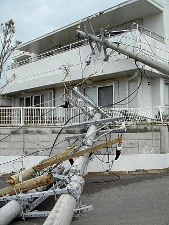 台風13号倒壊電柱