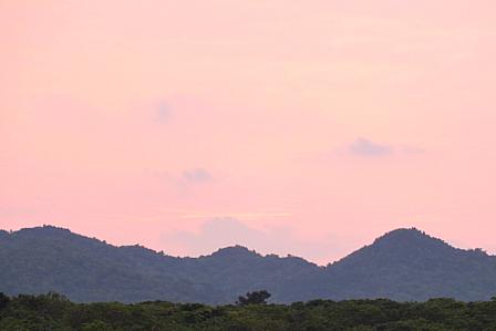 9月19日6時35分ピンクの朝焼け