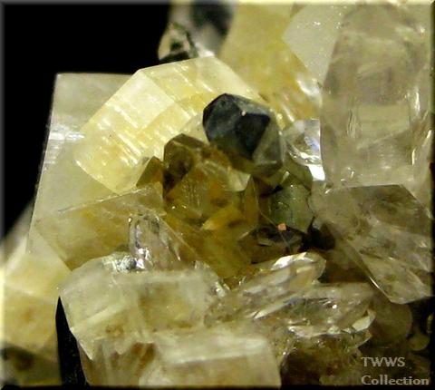 水晶&アンケル石&黄鉄鉱_フランス1アップ5