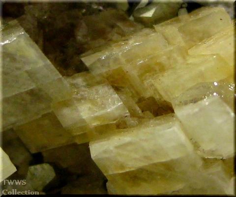 水晶&アンケル石&黄鉄鉱_フランス1アップ3