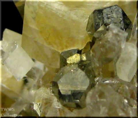 水晶&アンケル石&黄鉄鉱_フランス1アップ2