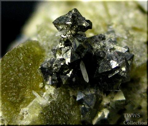 アウゲル石&菱鉄鉱&黄鉄鉱&水晶_ボリビア1アップ4